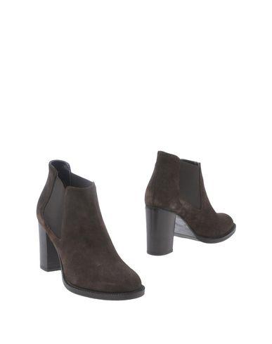 Полусапоги и высокие ботинки от ANNA F.
