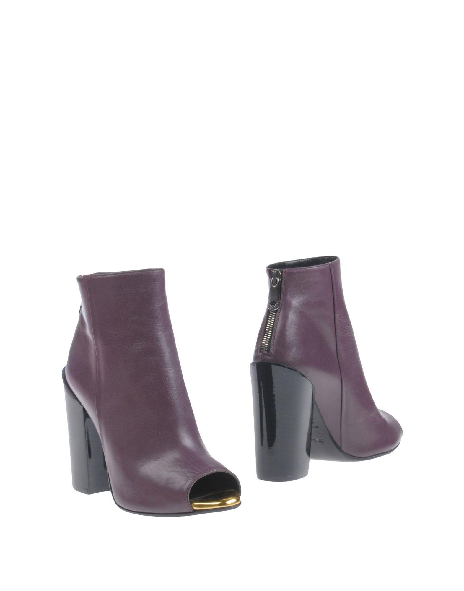 купить TIPE E TACCHI Полусапоги и высокие ботинки дешево
