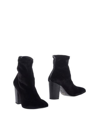 Полусапоги и высокие ботинки от AN.GI