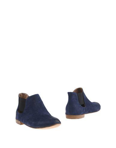 Полусапоги и высокие ботинки от KUDETÀ