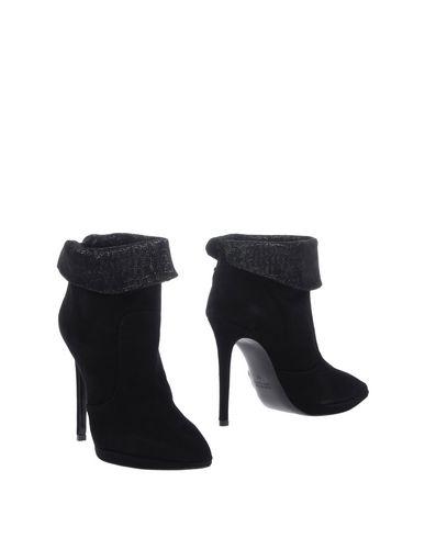 Полусапоги и высокие ботинки от ICÔNE
