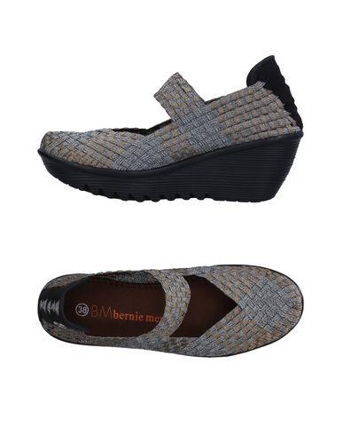 Туфли от BERNIE MEV.