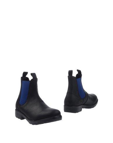 Полусапоги и высокие ботинки от DOCKSTEPS
