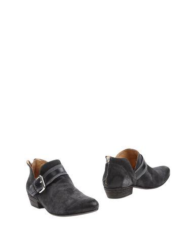 Ботинки от GARRICE
