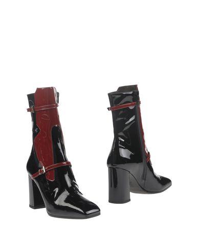 Полусапоги и высокие ботинки от ISLO ISABELLA LORUSSO