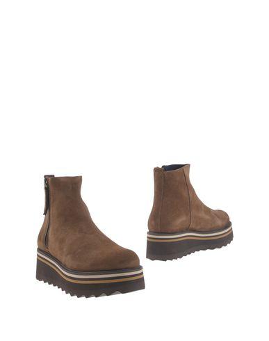 CLAUDIA BY ISABERI Полусапоги и высокие ботинки roomble claudia