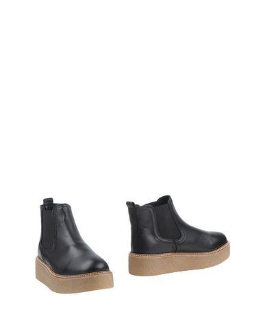 Полусапоги и высокие ботинки от CUPLÉ