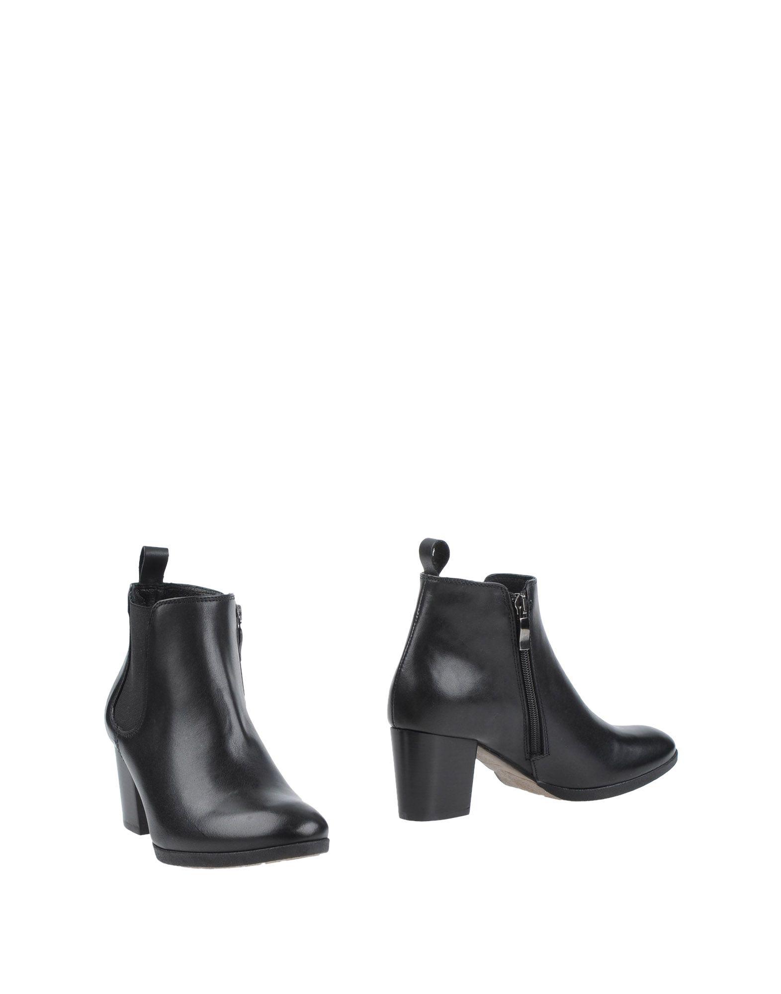 MALLY Полусапоги и высокие ботинки magazzini del sale полусапоги и высокие ботинки