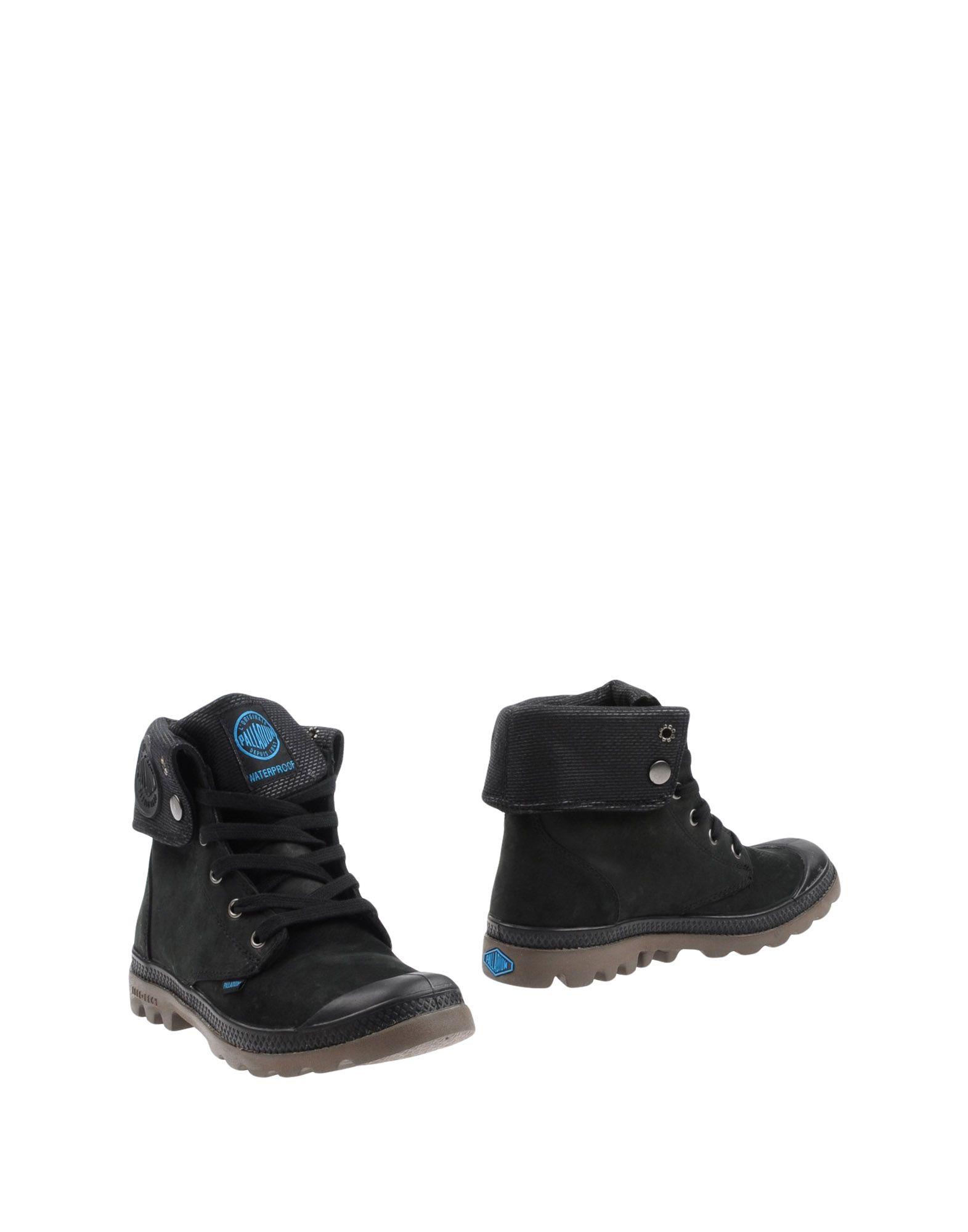 PALLADIUM Ankle Boot in Black