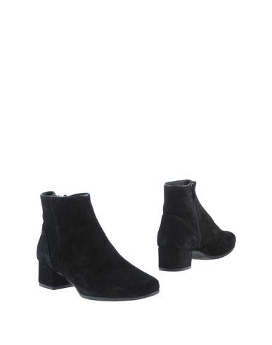 Полусапоги и высокие ботинки от GAIMO