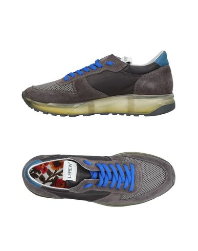 Низкие кеды и кроссовки от LEREWS