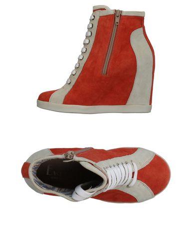 Высокие кеды и кроссовки от EVADO