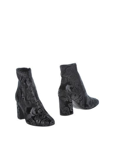 Полусапоги и высокие ботинки от ANDREA CATINI
