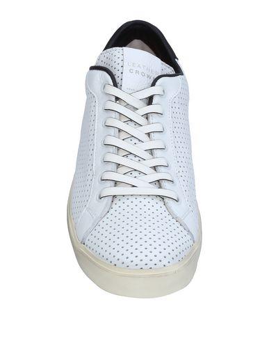 Фото 2 - Низкие кеды и кроссовки от LEATHER CROWN белого цвета