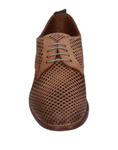 Фото 2 - Обувь на шнурках цвет песочный