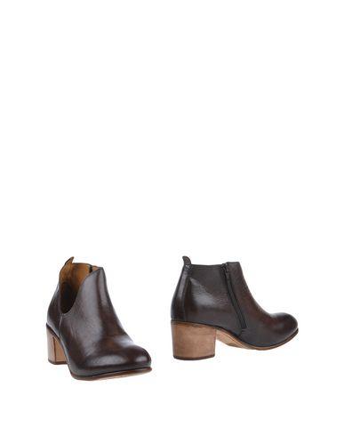 Фото - Женские ботинки и полуботинки  темно-коричневого цвета