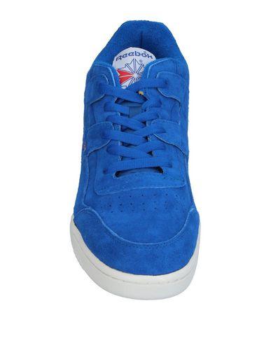 Фото 2 - Низкие кеды и кроссовки ярко-синего цвета