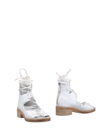 Фото - Полусапоги и высокие ботинки от MARSÈLL белого цвета