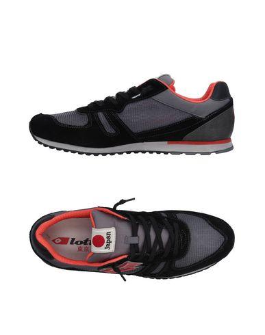 Фото - Низкие кеды и кроссовки от LOTTO LEGGENDA черного цвета