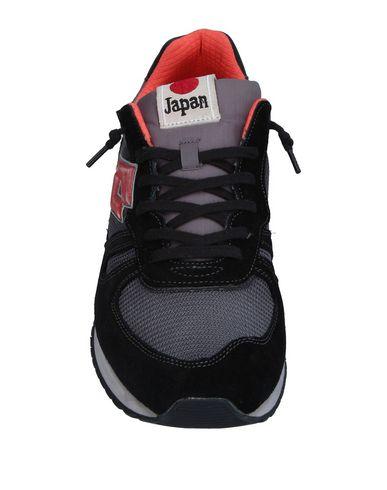 Фото 2 - Низкие кеды и кроссовки от LOTTO LEGGENDA черного цвета