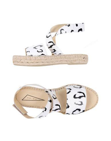 Фото - Женские сандали PRISM белого цвета