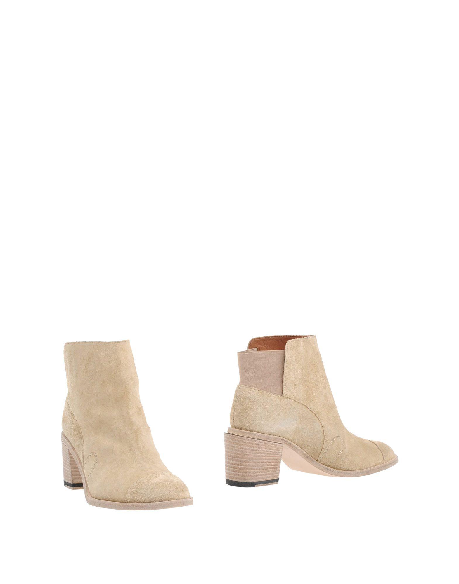 купить BAND OF OUTSIDERS Полусапоги и высокие ботинки по цене 24500 рублей