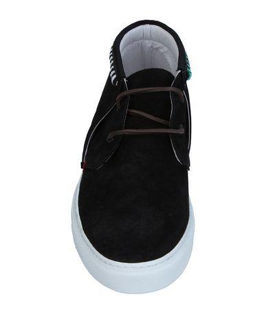 Фото 2 - Высокие кеды и кроссовки от LANEUS черного цвета