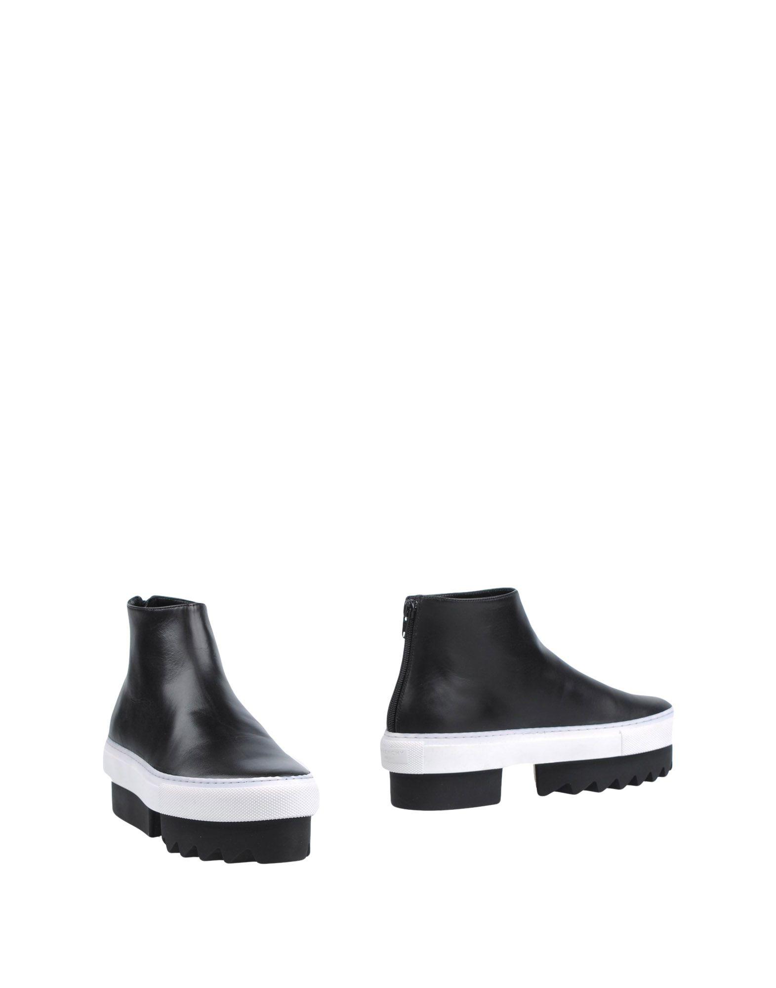 GIVENCHY Полусапоги и высокие ботинки ключница givenchy q01476191