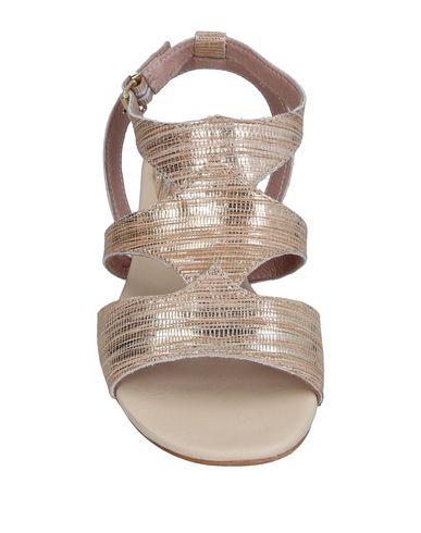Фото 2 - Женские сандали DONNA PIÙ цвет платиновый