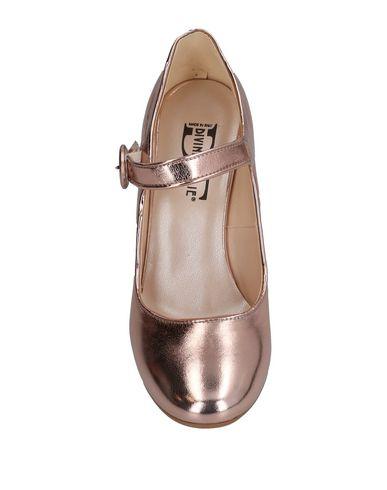 Фото 2 - Женские туфли DIVINE FOLLIE розового цвета