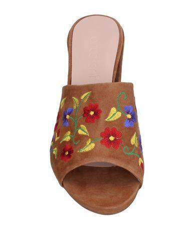 Фото 2 - Женские сандали ANCARANI цвета хаки