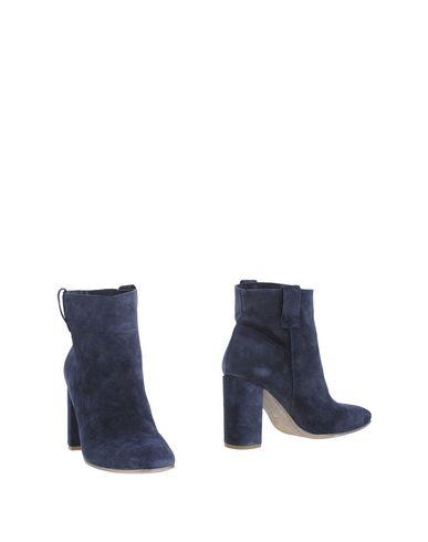 Полусапоги и высокие ботинки от DIVINE FOLLIE