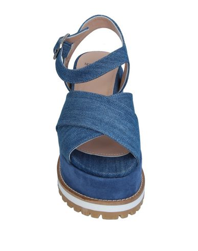 Фото 2 - Женские сандали TIPE E TACCHI синего цвета