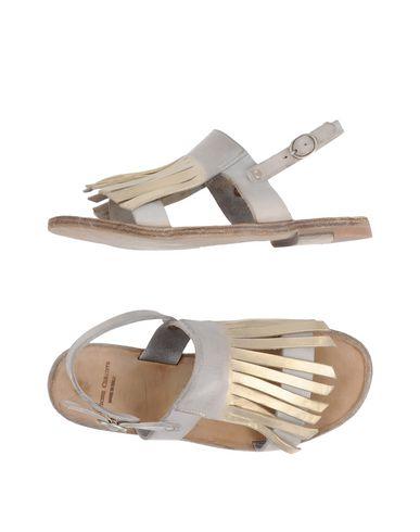 Фото - Женские сандали OFFICINE CREATIVE ITALIA серого цвета