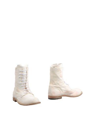 Фото - Полусапоги и высокие ботинки от OFFICINE CREATIVE ITALIA цвет слоновая кость