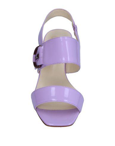 Фото 2 - Женские сандали  светло-фиолетового цвета