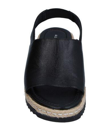 Фото 2 - Женские сандали ANOTHER PROJECT черного цвета