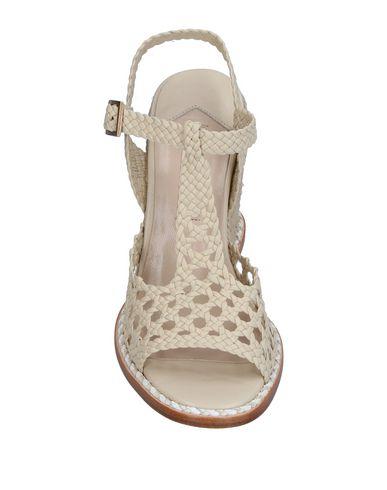 Фото 2 - Женские сандали PALOMA BARCELÓ цвет слоновая кость