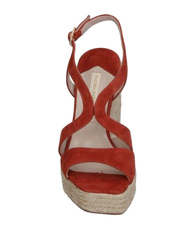 Фото 2 - Женские сандали PALOMA BARCELÓ коричневого цвета