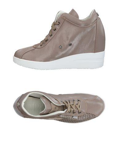 Фото - Низкие кеды и кроссовки от RUCO LINE серого цвета