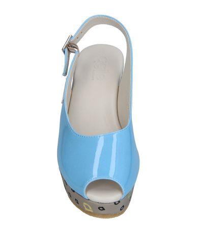 Фото 2 - Женские сандали  небесно-голубого цвета