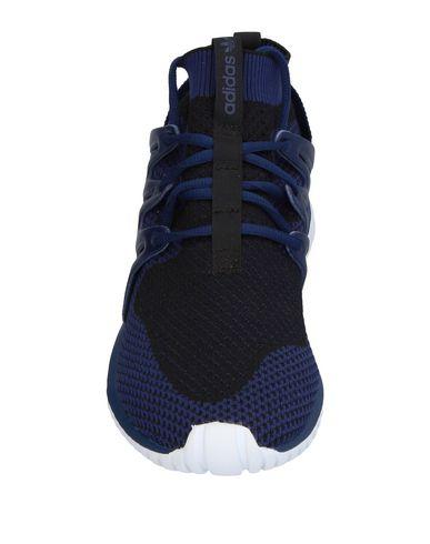Фото 2 - Низкие кеды и кроссовки темно-синего цвета