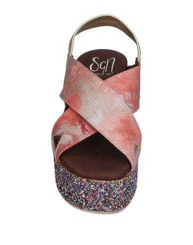 Фото 2 - Женские сандали SGN GIANCARLO PAOLI пастельно-розового цвета
