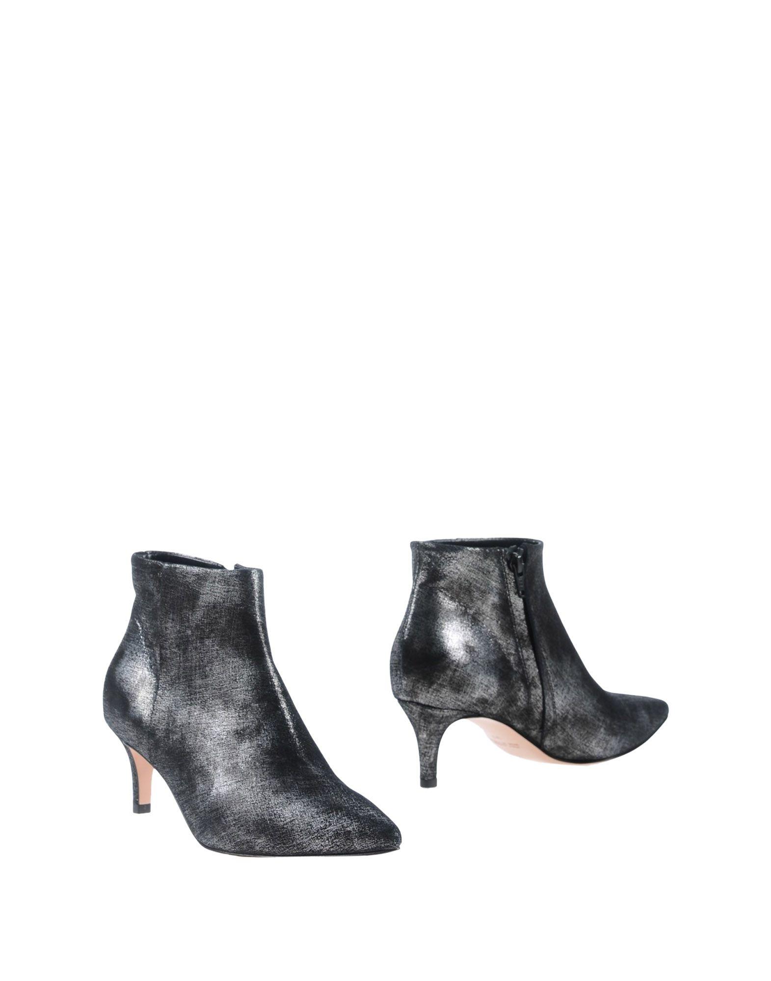 купить ANNA F. Полусапоги и высокие ботинки дешево