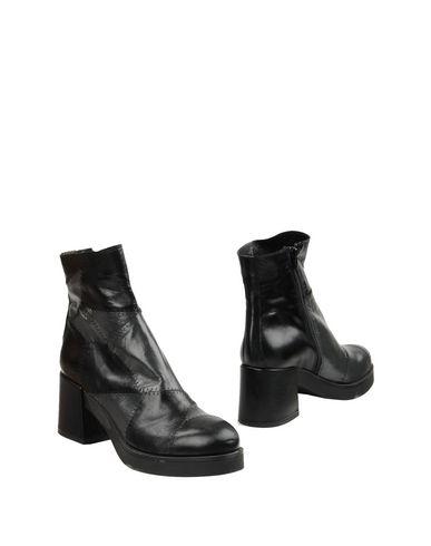 Полусапоги и высокие ботинки от GET IT