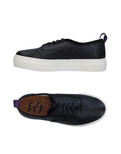 Низкие кеды и кроссовки от EYTYS
