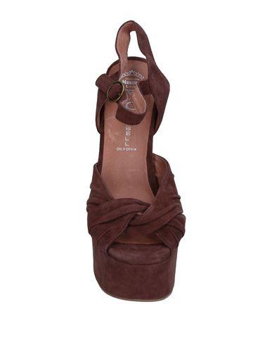 Фото 2 - Женские сандали JEFFREY CAMPBELL цвет какао
