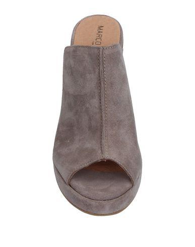 Фото 2 - Женские сандали MARCO FERRETTI серого цвета