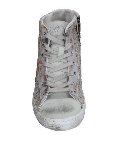 Фото 2 - Высокие кеды и кроссовки от 2STAR светло-серого цвета