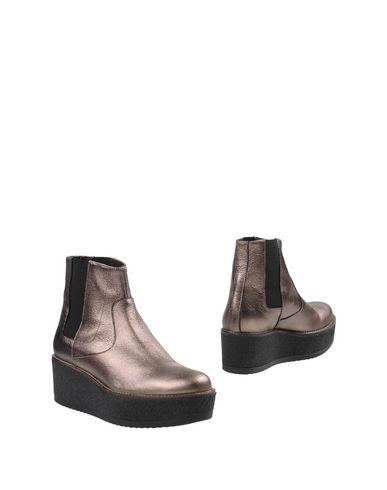 Купить Полусапоги и высокие ботинки бронзового цвета